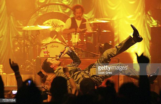 The killers band photos et images de collection getty images The killers madison square garden