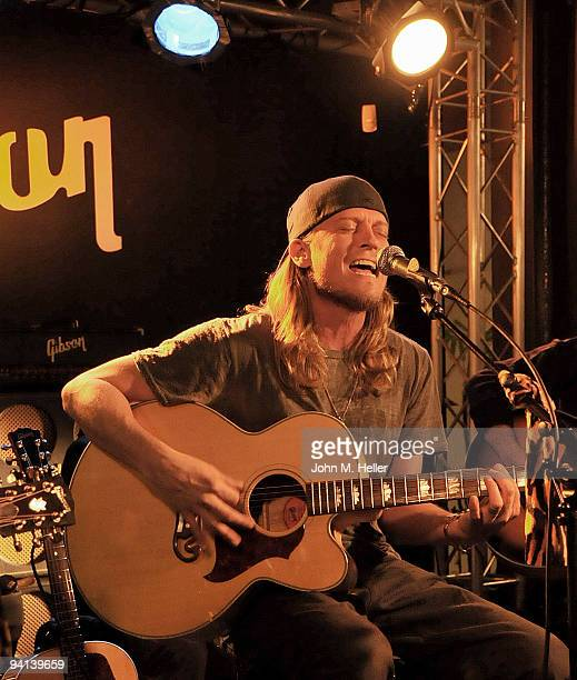Lead singer for Puddle of Mudd Wes Scantlin performs at the launch party for the new Gibson Dusk Tiger Guitar at the Gibson Guitar Entertainment...