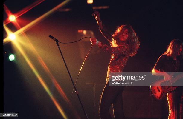 Lead singer Robert Plant of Led Zeppelin performs on stage at Madison Square Garden on September 3 1971 in New York City New York