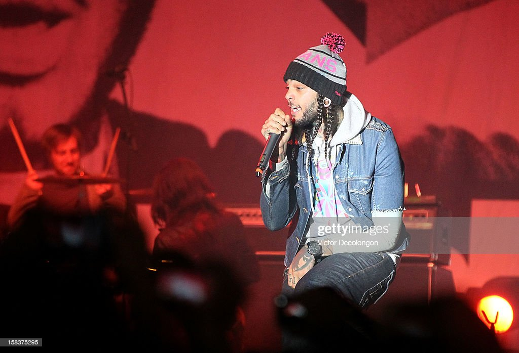 Lead Vocalist Travis McCoy of Gym Class Heroes performs at the Got Your 6 And Pat Tillman Foundation Benefit on December 13, 2012 in Norwalk, California.