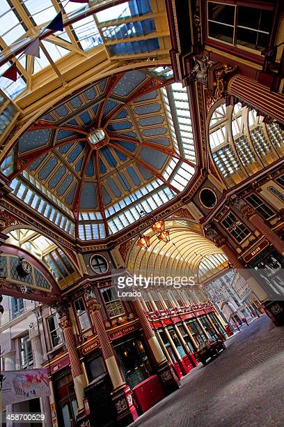 leadenhall market in central london - leadenhall market stock pictures, royalty-free photos & images