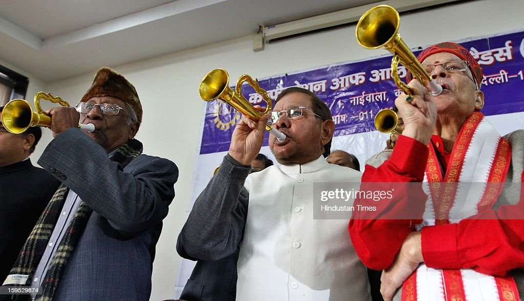CPI leader AB Bardhan (L), Senior Janta Dal-United leader Sharad and senior leader Murli Manohar Joshi during during a joint press conference to oppose the Centre's decision to allow FDI in multi-brand retail on January 15, 2013 in New Delhi, India.
