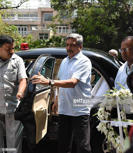 BJP leader and Defence Minister Manohar Parrikar arrives to pay his respect to Kamla Advani wife of BJP leader LK Advani at his residence at Prithvi...