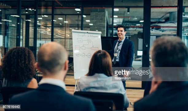 leader briefing - improvement stock pictures, royalty-free photos & images