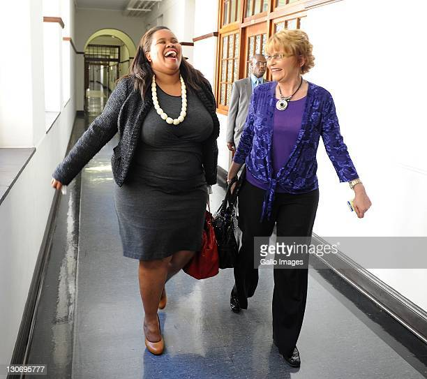 DA leader Helen Zille and Lindiwe Mazibuko laugh after a press conference on October 27 2011 in Cape Town South Africa Lindiwe Mazibuko is the newly...