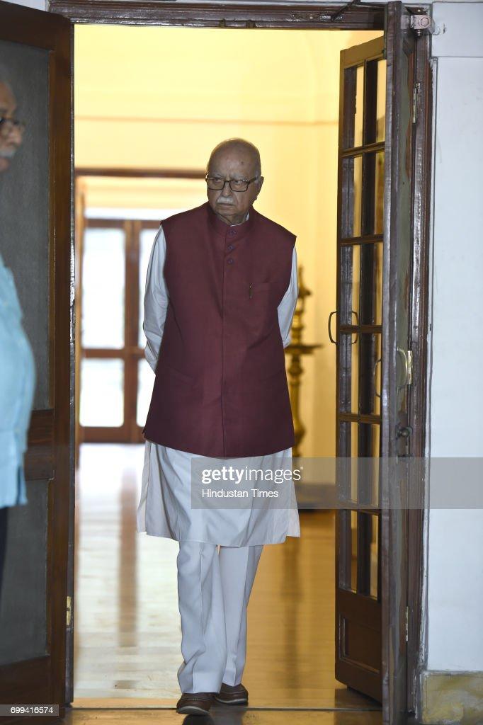 NDA Presidential candidate Ram Nath Kovind Meets BJP Leader LK Advani