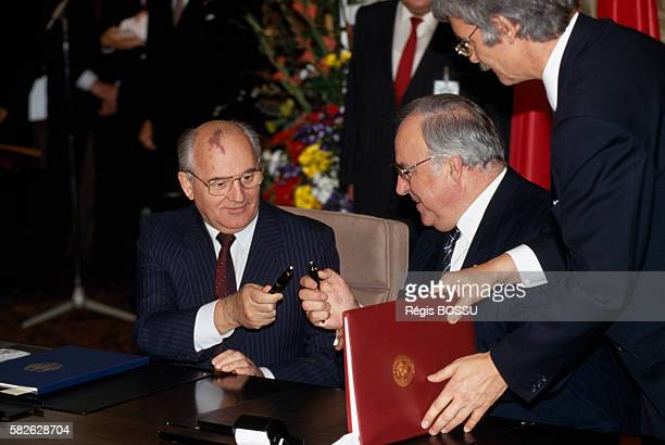 USSR leader Mikhail Gorbachev meets with German Chancellor Helmut Kohl during his official visit to West Germany