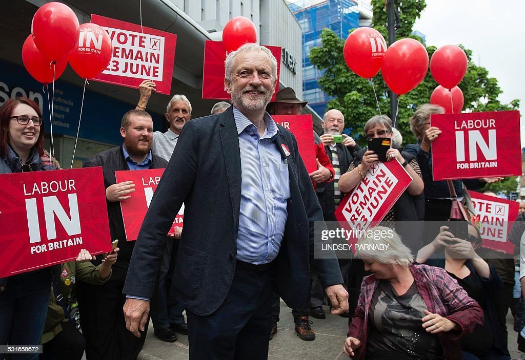 Leader of Britain's opposition Labour Party, Jeremy Corybn, arrives to deliver a speech on the merits of Britain remaining in the European Union (EU), in Doncaster on May 27, 2016. With just under four weeks to go until the June 23 referendum, the Remain camp is on 53 percent and the Leave campaign on 47 percent, according to the What UK Thinks website's average of the most recent six opinion polls. / AFP / Lindsey Parnaby