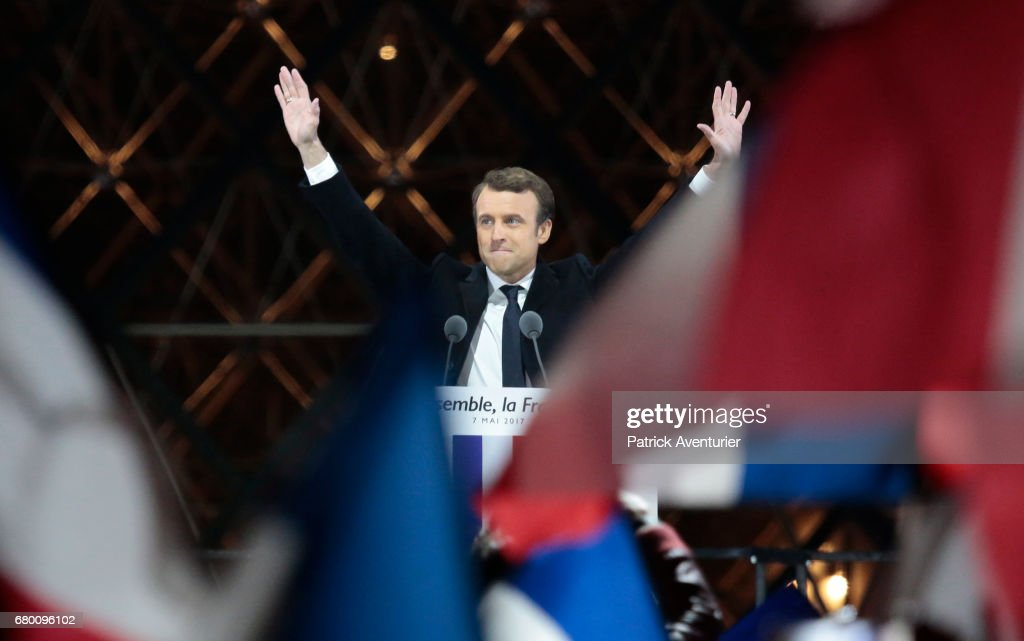 Emmanuel Macron Celebrates His Presidential Election Victory At Le Louvre In Paris : Nieuwsfoto's