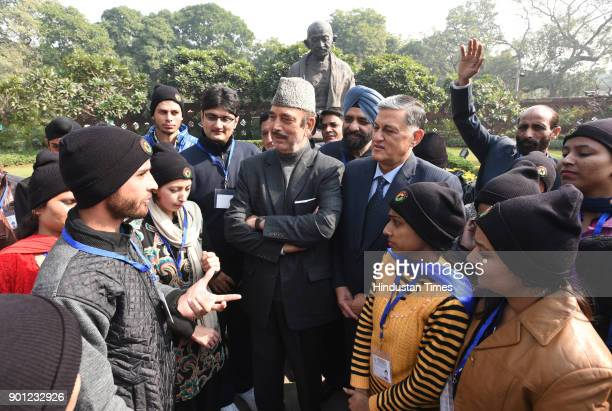 Leader of opposition in Rajya Sabha and Former Chief Minister of Jammu and Kashmir Ghulam Nabi Azad meet with Student of Free Centre For Skill...