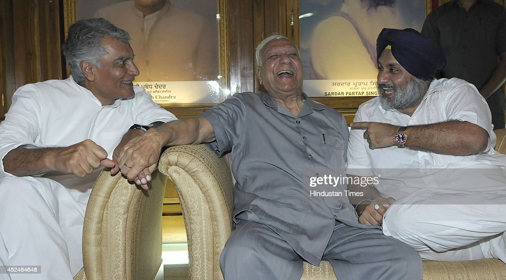 Leader of opposition in the house Sunil Jakhar Governor of Chhatisgarh Balramji Dass Tandon Punjab Deputy Chief Minister Sukhbir Badal share a happy..