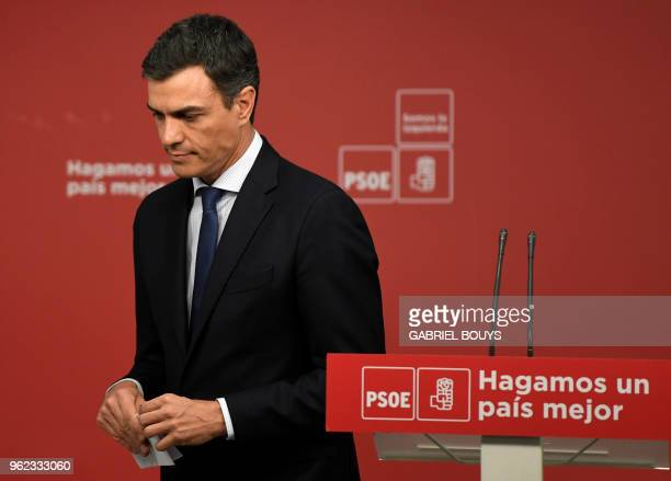 Leader of Spanish Socialist Party PSOE Pedro Sanchez attends a press conference in Madrid on May 25 2018 'Spains biggest opposition party the...