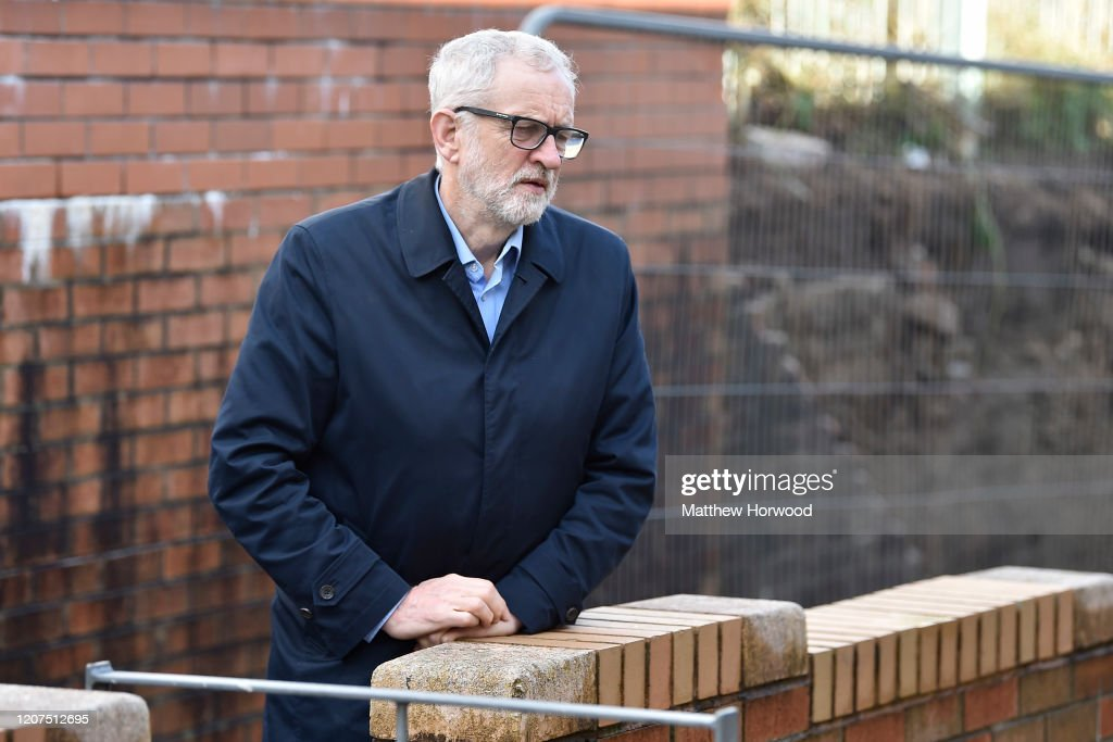 Labour Party Leader Corbyn Visits Areas Affected By Flooding : Nieuwsfoto's