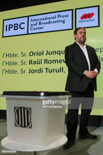 Leader of the leftwing party Esquerra Republicana Catalan regional vicepresident and chief of Economy and Finance Oriol Junqueras presents a ballot...