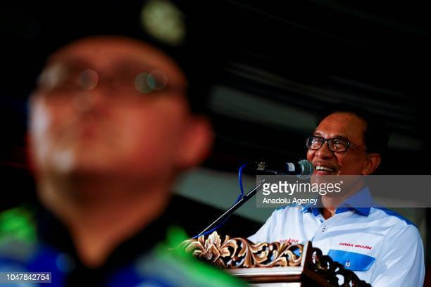 Leader of the Pakatan Harapan Coalition Anwar Ibrahim gives speech byelection campaign in Port Dickson Malaysia on October 8 2018 The support given...