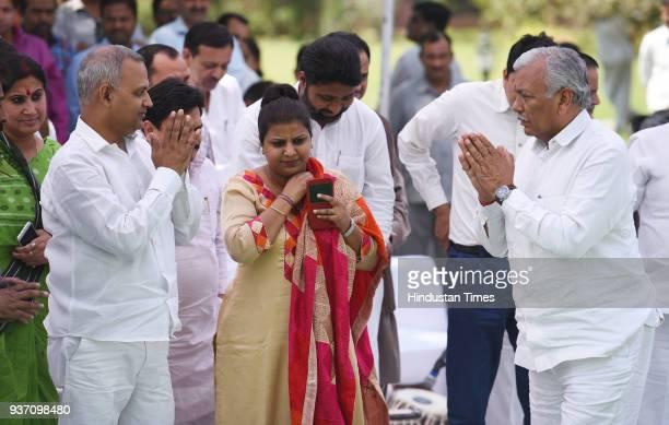 AAP leader Somnath Bharti Delhi MLA Rakhi Birla Vidhan Sabha speaker Ram Niwas Goel paying tribute to ShaheedEAzam Bhagat Singh Rajguru and Sukhdev...