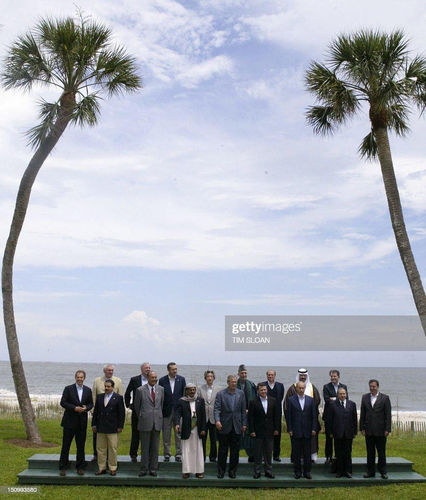 US-G8-SUMMIT-GROUP : News Photo