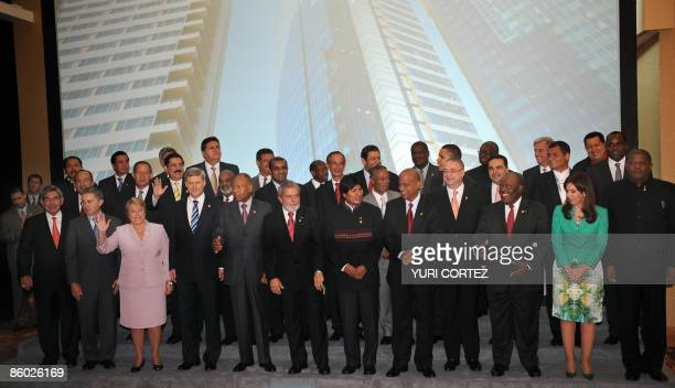 Leaders from the Americas pose for the official picture of the V Summit of the Americas in PortofSpain on April 18 2009 First row LR Costa Rica's...