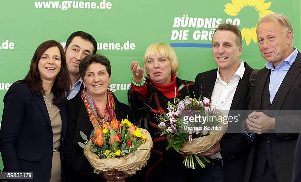 Leaders of the Green Party from left Katrin GoeringEckardt Cem Oezdemir Anja Piel Claudia Roth Stefan Wenzel and Juergen Trittin a day after the SPD...