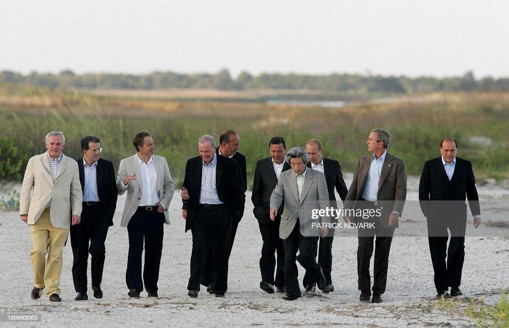 US-G8-SUMMIT-LEADERS-BEACH : News Photo