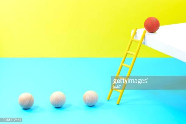 leadership ball - anführen stock-fotos und bilder