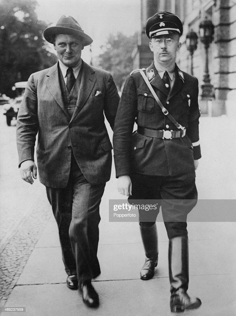Leading Nazis Hermann Goering (1893 - 1946, left), President of the Reichstag, and Reichsfuhrer-SS Heinrich Himmler (1900 - 1945), circa 1935.