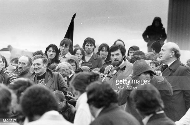 Leading Republican Owen Carron reads the oration at the funeral of IRA hunger striker Sands