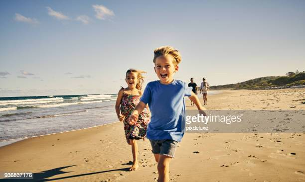 leading the way to a day of fun - offspring stock pictures, royalty-free photos & images