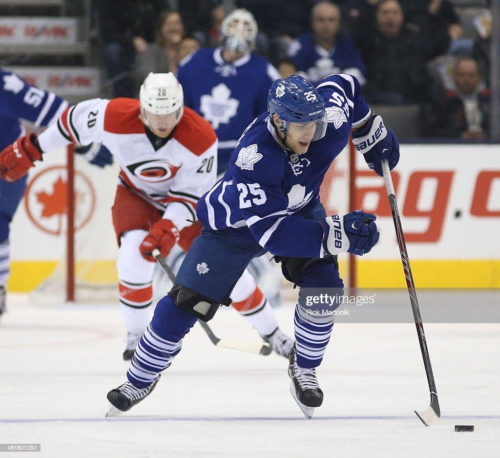 Toronto Maple Leafs vs Carolina Hurricanes : News Photo