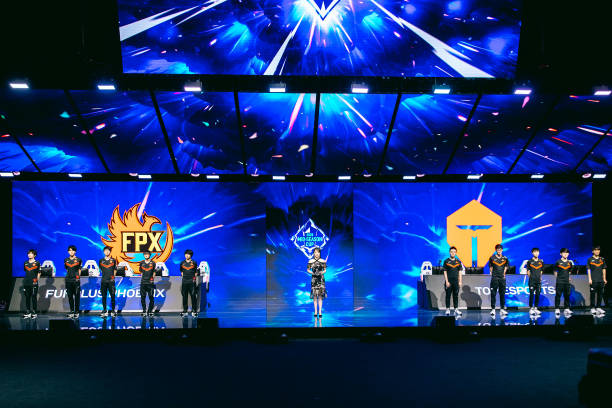 CHN: League of Legends Mid-Season Cup