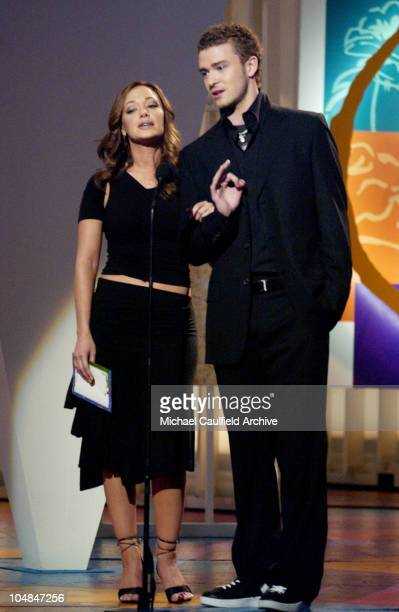 Leah Remini and Justin Timberlake present the Best Salsa Album Award at the 3rd Annual Latin GRAMMYS at the Kodak Theater