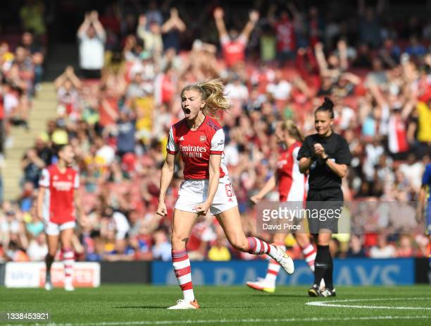 Leah Williamson of Arsenal celebrates at the full time whistle during the Barclays FA Women's Super League match between Arsenal Women and Chelsea...