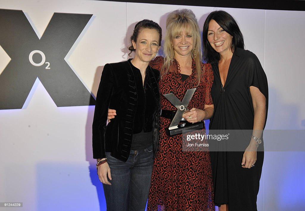 02 X Awards