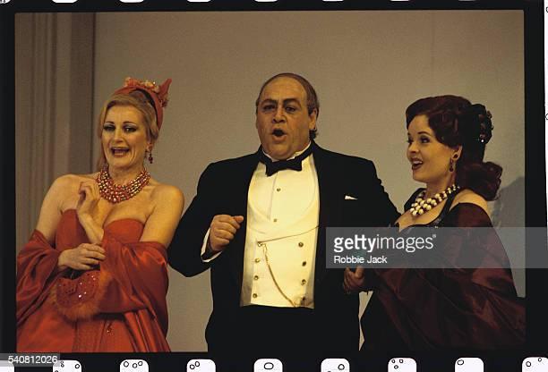 Leah-Marian Jones, Bruno Pratico and Jenny Grahn in La Cenerentola