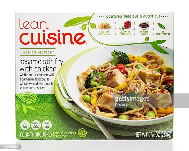 lean cuisine sesame stir fry with chicken - kruisbloemenfamilie stockfoto's en -beelden