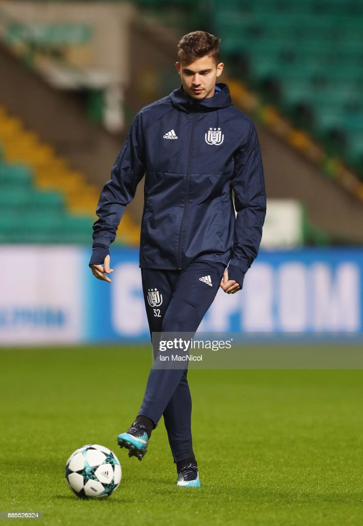 Leander Dendoncker of RSC Anderlecht controls the ball during an Anderlecht training session on the eve of their UEFA Champions League match against Celtic at Celtic Park on December 4, 2017 in Glasgow, Scotland.