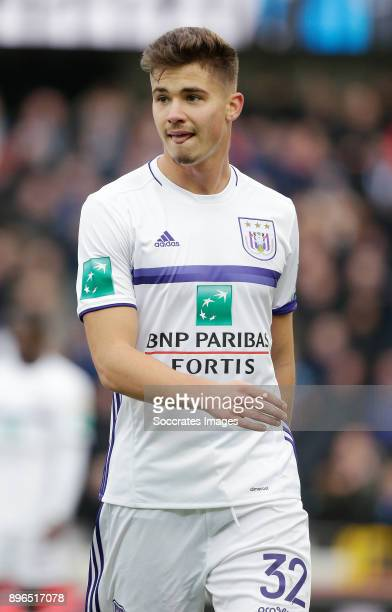 Leander Dendoncker of RSC Anderlecht during the Belgium Pro League match between Club Brugge v Anderlecht at the Jan Breydel Stadium on December 17...