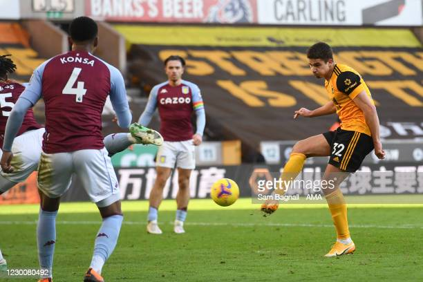 Leander Dendoncker of Wolverhampton Wanderers misses a chance on goal during the Premier League match between Wolverhampton Wanderers and Aston Villa...