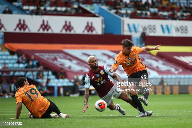 Leander Dendoncker of Wolverhampton Wanderers scores a goal to make it 0-1 during the Premier League match between Aston Villa and Wolverhampton...