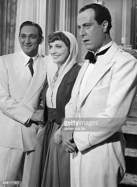 Leander Zarah Actress singer Sweden * Scene from the movie 'Das Lied der Wueste' as Grace Collins with Gustav Knuth and Victor van Buren Directed by...