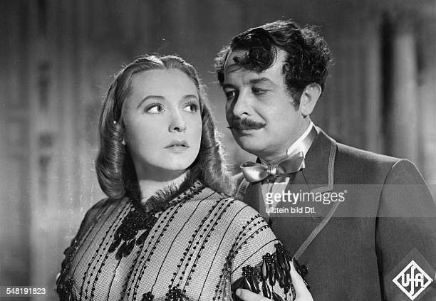 Leander Zarah Actress singer Sweden * Scene from the movie 'Der Weg ins Freie' as Antonia Corvelli with Siegried Breuer as Count Stefan Oginski...