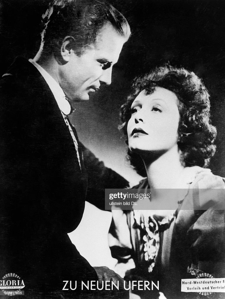 Leander, Zarah - Actress, singer, Sweden  *15.03.1907-23.06.1981+   - Scene from the movie 'Zu neuen Ufern' as Gloria Vane with fellow actor Viktor Staal  - Directed by: Detlef Sierck (Douglas Sirk)  - Germany 1937  - Produced by: Universum Film AG ( : News Photo