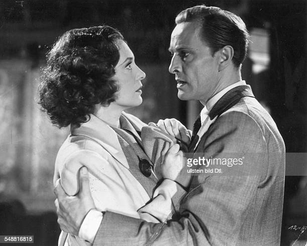 Leander Zarah Actress singer Sweden * Scene from the movie 'Damals' in the role as Vera Meiners with Hans Stuewe as Jan Meiners Directed by Rolf...