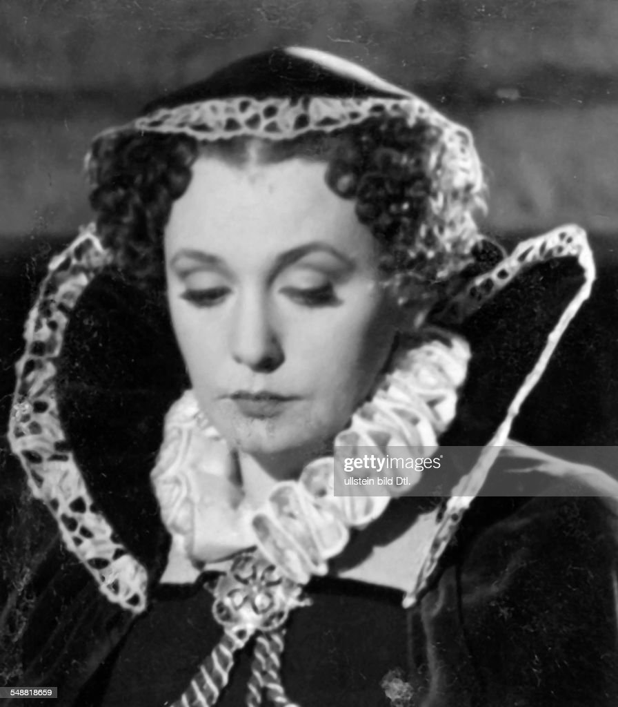 Leander, Zarah - Actress, singer, Sweden  *15.03.1907-23.06.1981+  - Scene from the movie 'Das Herz der Koenigin'  - in the role as Mary Stuart  - Directed by: Carl Froelich  - Germany 1940  - Produced by: Universum Film AG (UFA)   - Published in: 'V : News Photo