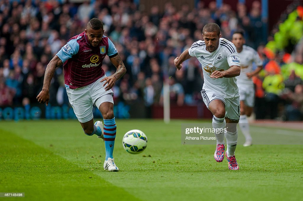 Aston Villa v Swansea City - Premier League : ニュース写真
