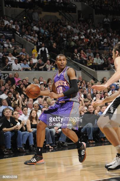Leandro Barbosa of the Phoenix Suns moves the ball against the San Antonio Spurs in Game Five of the Western Conference Quarterfinals during the 2008...