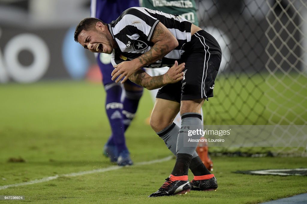 Leandro Carvalho of Botafogo reacts during the match between Botafogo and Palmeiras as part of Brasileirao Series A 2018 at Engenhao Stadium on April 16, 2018 in Rio de Janeiro, Brazil.