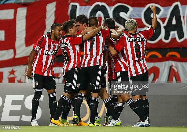 Leandro Desabato of Estudiantes and teammates celebrate their team's first goal during a second leg match between Estudiantes and Independiente del...