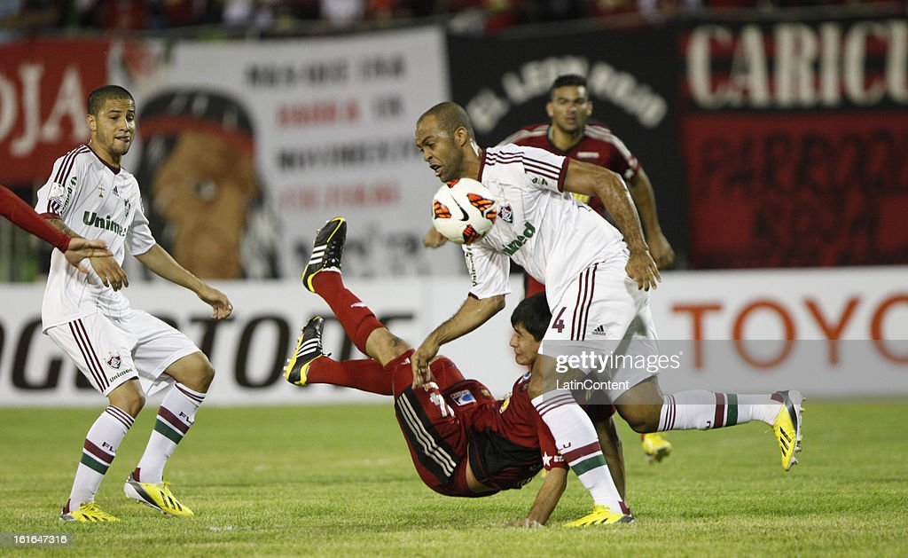 Leandro Euzebio of Fluminense controls the ball during a match between Caracas FC and Fluminense as part of the 2013 Copa Bridgestone Libertadores at the Olympic Stadium on February 13, 2013 in Caracas, Venezuela.