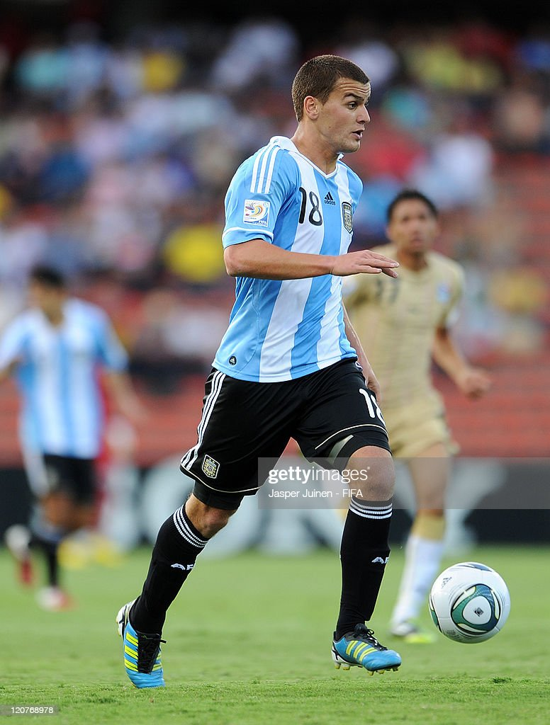 Leandro Gonzalez Pirez of Argentina runs with the ball during the FIFA U-20 World Cup Colombia 2011 round of 16 match between Argentina and Egypt at the Atanasio Girardot stadium on August 9, 2011 in Medellin, Colombia.